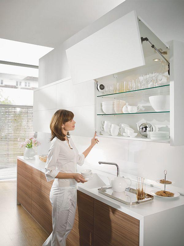 Петли и принадлежности - Кухонная фурнитура BLUM